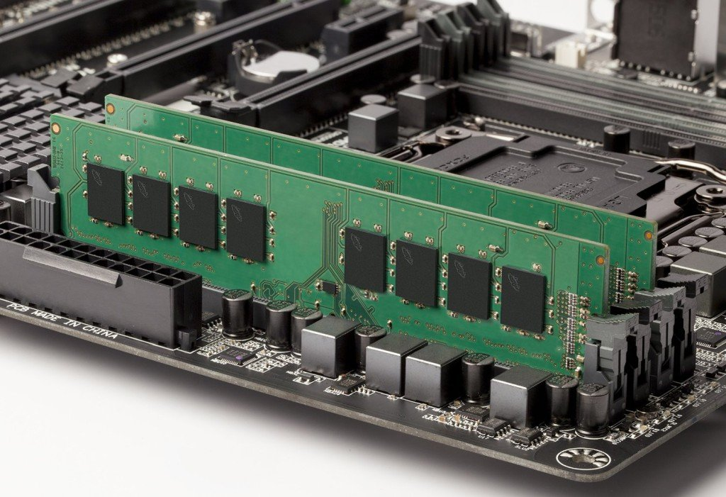 Crucial DDR4 T4K4G4DFS8213 or CT4C4G4DFS8213 Memory