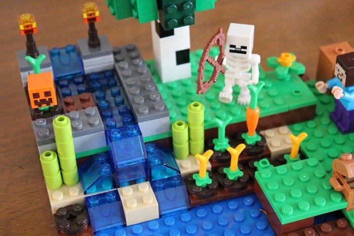 minecraft-2114-the-farm-lego-set