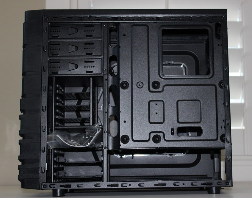 right-side-cable-management-thermaltake-versa-h23